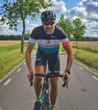 Björn Becksmo cyklar